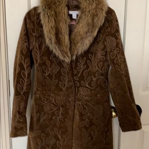 Brown tapestry coat with fur collar can remove